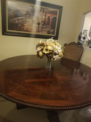 Dining table for Sale in El Paso, TX