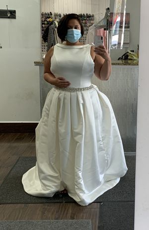 Wedding dress size 20 (corset) for Sale in Indianapolis, IN