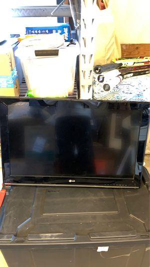 32 inch tv for Sale in Dallas, TX