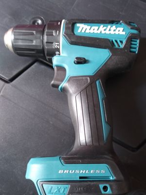 18 v drill Drive brushlees. Makita for Sale in Crestwood, IL