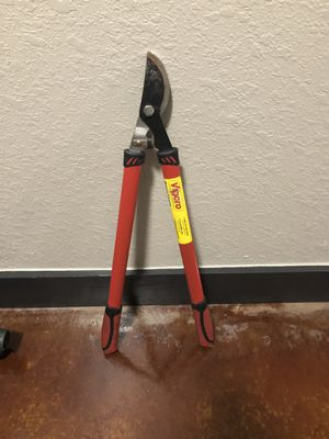 Red and black bolt cutter for Sale in Houston, TX