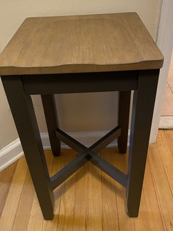 Stools - Set of 4 for Sale in North Arlington,  NJ