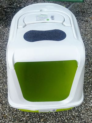 Covered cat box for Sale in Columbus, OH