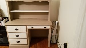 Solid wood desk lots of storage for Sale in Selinsgrove, PA