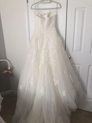 Preowned Pronovias alcanar wedding dress size 8 for Sale in Fairfax, VA