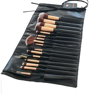 16pcs professional Luxury makeup Brush set for Sale in Los Angeles, CA