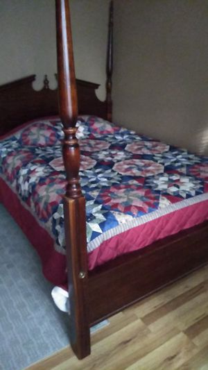 Absolutely beautiful antique bed set double bed new mattress for Sale in Mystic Islands, NJ