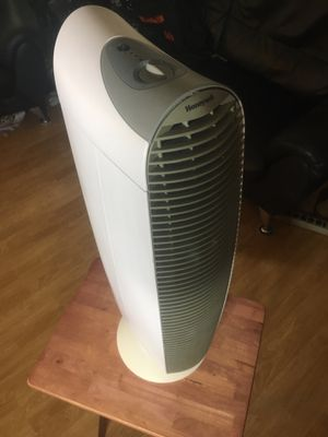 Honeywell air purifier tower for Sale in Montclair, CA