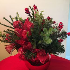 Christmas Floral Arrangement for Sale in Los Angeles, CA