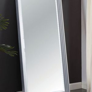 Beautiful LED Lit Wall Leaning Mirror for Sale in Riverside, CA