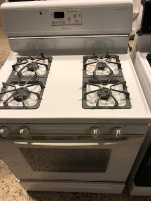 """30"""" WHIRLPOOL GAS STOVE WHITE WITH WARRANTY for Sale in Lake Ridge, VA"""