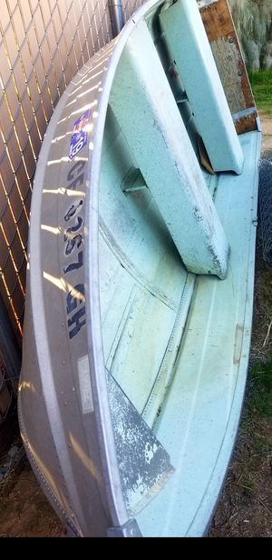 12ft aluminum fishing boat title in hand registered v hull no john boat lake trade for dirtbike or atv quad for Sale in Fontana, CA