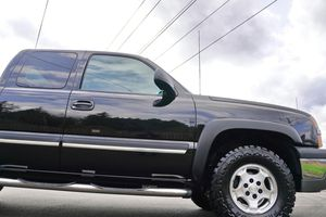 ENGINE V8 BLACK CHEVY SILVERADO LT 1500 STRONG for Sale in Chicago, IL