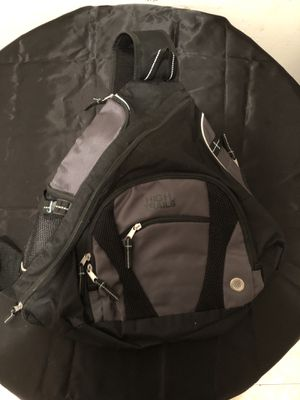 High Trails BackPack , one strap great for hike and travel for Sale in Brooklyn, NY