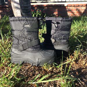 Northside Kids Snow Boots Size 2 for Sale in Commerce, CA