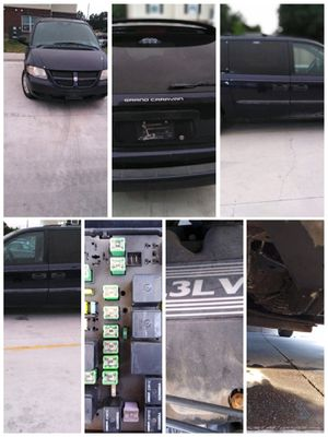 2004 Dodge grand caravan (DOES NOT RUN) for Sale in Wichita, KS