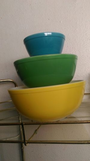 Pyrex nesting mixing bowls for Sale in Orange, CA