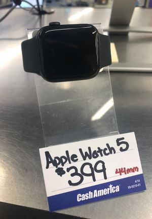 Apple Watch 5 44mm for Sale in Kissimmee, FL