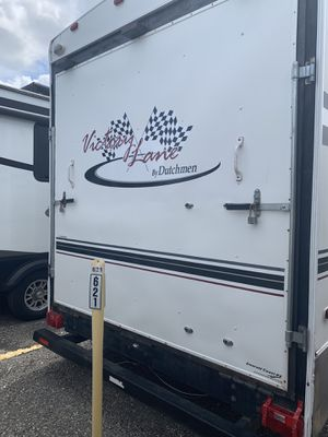 05 Victory Dutchman Toy hauler 5th wheel for Sale in Altamonte Springs, FL