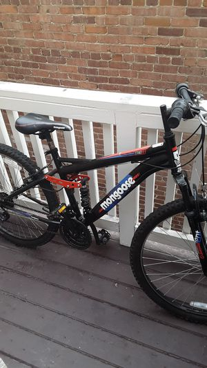 Mongoose mountain bike for Sale in Long Beach, CA
