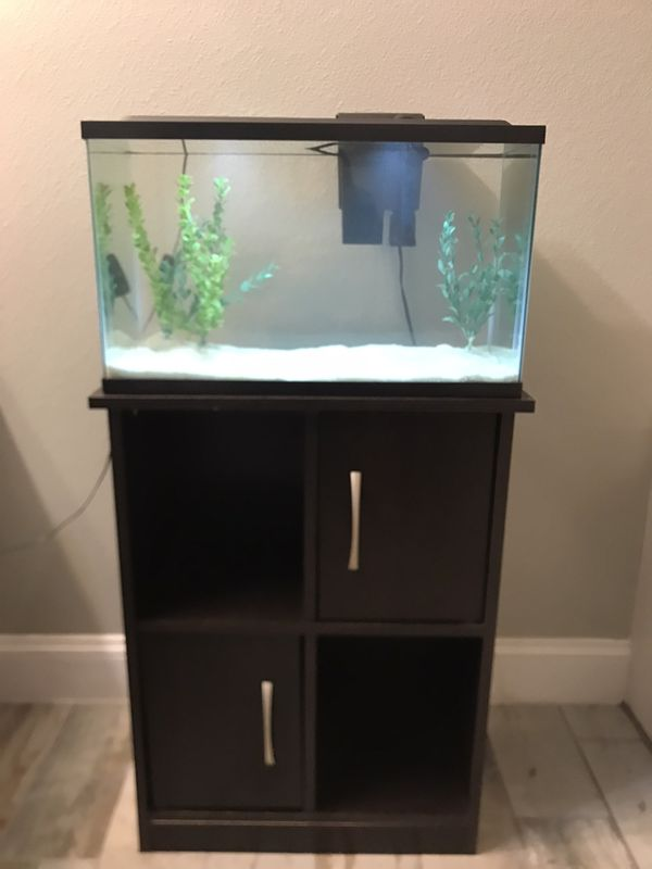 Aquarium/Fish tank with stand and extras.
