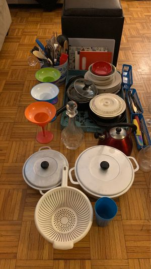 Move out kitchen supply sale. Everything must go. for Sale in Staten Island, NY