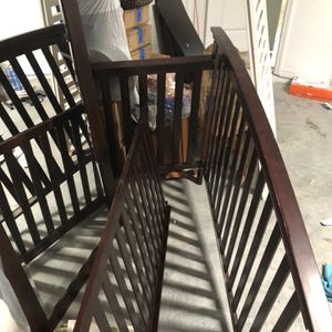 Free Crib (pickup only) for Sale in Fort Myers, FL