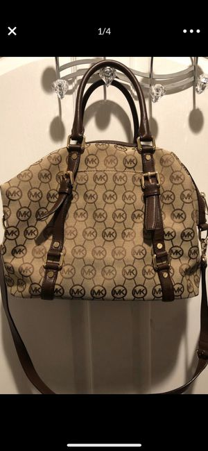 Authentic Michael Kors Purse for Sale in Lancaster, CA