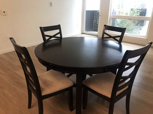Beautiful Wood Dinning Table with Cushioned Seats for Sale in Seattle, WA