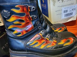 LIKE NEW HARLEY DAVIDSON BRAND MOTORCYCLE BOOTS SIZE 9 for Sale in Croydon, PA