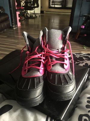 Girls Nike Boots size 5Y for Sale in Ottawa, OH