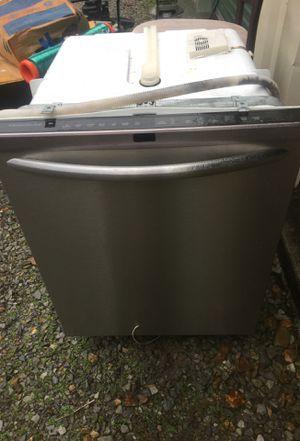 Frigidaire dishwasher for Sale in Clarksville, TN