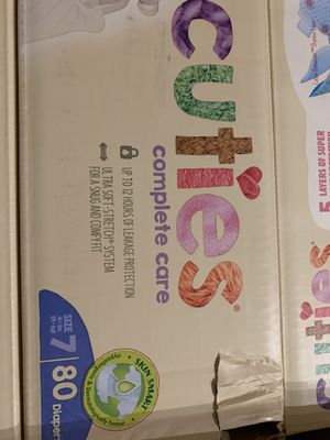 cuties diapers size 7 for Sale in Miami, FL