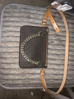 Michael Kors Belt Bag hanging chain for Sale in Westminster, CA