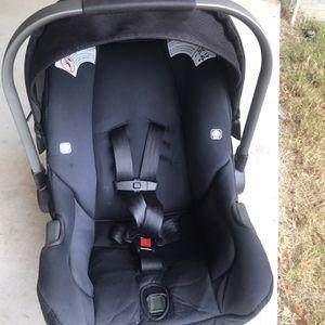 Like New Nuna Peppa Car Seat for Sale in Arlington, TX
