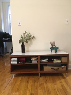 """(UWS) TV Stand, 47x16x19"""" for Sale in New York, NY"""