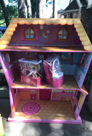 Doll house with furniture for Sale in Houston, TX
