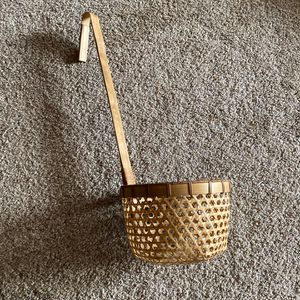 ‼️Wicker Ladle / Hanging Basket‼️ for Sale in Edgar, WI