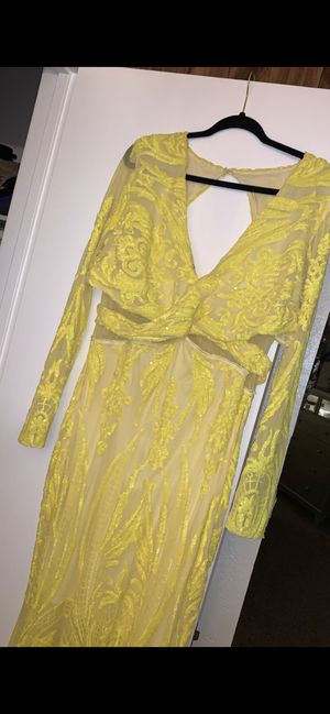Nice Yellow dress for Sale in El Cajon, CA