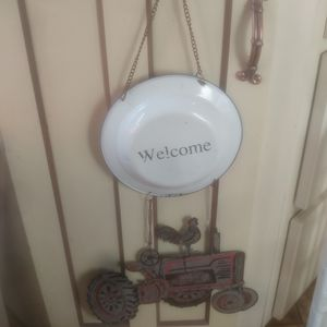 Farmhouse Welcome sign for Sale in Industry, CA