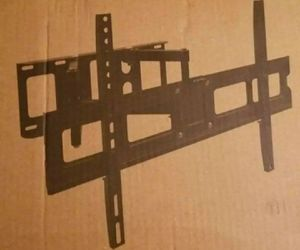 Full motion TV wall mount 32 to 60 inch ... NEW in box and sealed for Sale in Plano, TX