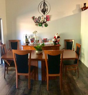 Dining table with 6 chairs & butler's pantry for Sale in West Palm Beach, FL