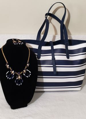 Navy Blue Striped Fashion Jewelry Set w/ Striped Bag for Sale in Hendersonville, TN