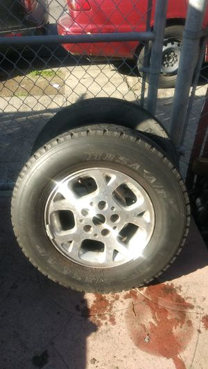 5 MasterCraft tires on jeep rims for Sale in Oakland, CA