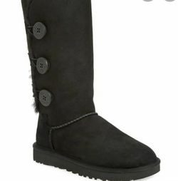 Ugg Australia Bailey Button Tall Ugg's for Sale in Las Vegas,  NV