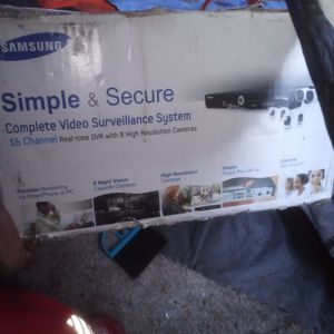 Samsung Complete Surevaliance System 16 Channel Dvr,4 Some Cameras And 4 Regular Cameras for Sale in Brentwood, CA