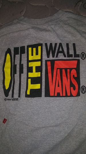 Vans off the wall logo shirt for Sale in ATTLEBORO, MA