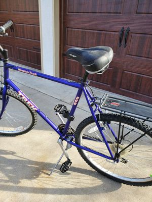 """TREK Mountain Track 800 bike bicycle. 21 speed. 22"""" frame. Works great for Sale in Modesto, CA"""
