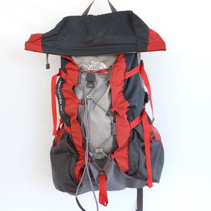 The North Face SCAREB 55 Hiking Backpack for Sale in Menifee, CA