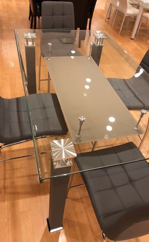 Glass Dining table with chairs for Sale in Dallas, TX
